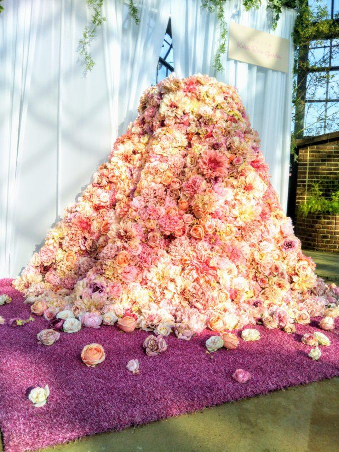 京成バラ園で一生に一度!?のウエディングはバラのドレスで決まりかも