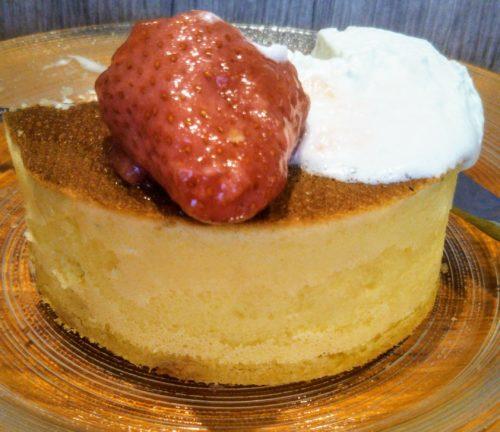 イチゴのパンケーキ2分の1