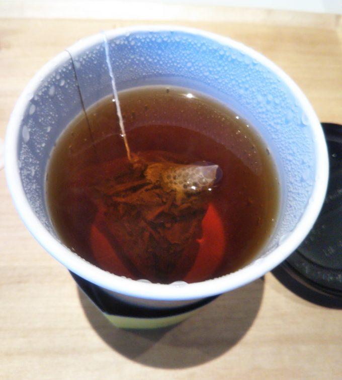 酒々井プレミアムアウトレットのJ.S. PANCAKE CAFEのJ.S. ブレンドティーのティーパッグは三角の形