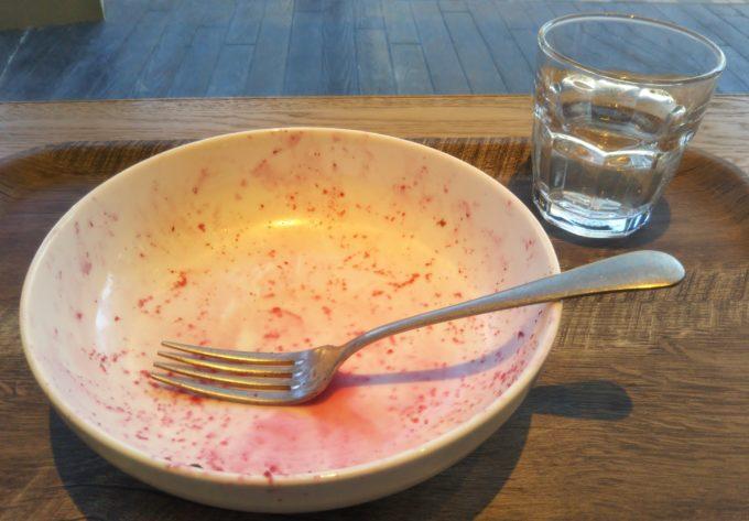 ヴィーガンパープルサラダを約15分くらいで完食!