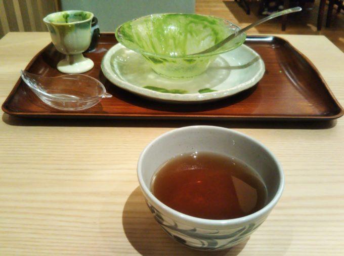 ごちそうさまでした!宇治抹茶エスプーマかき氷を完食のあとはほうじ茶でまったり