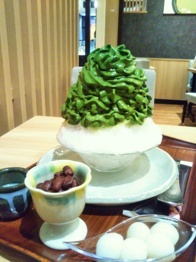 茶匠 清水一芳園の抹茶エスプーマかき氷にはトッピングが3種類!