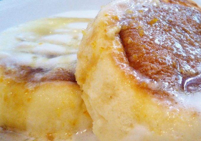 イシヤのプレーンパンケーキにオレンジソースをかけて食べても美味しかった!【コレド室町テラス】