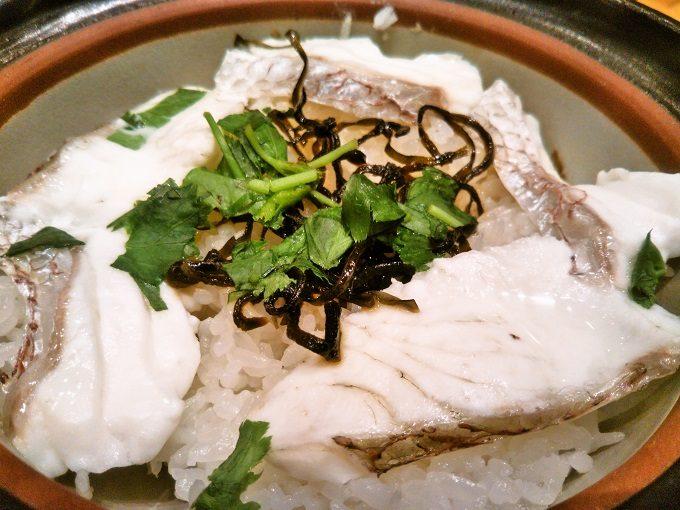 土鍋ご飯に鯛をのっけるって贅沢な気分!【魚盛コレド室町テラス】